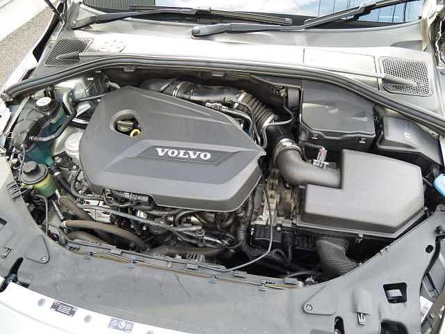 ボルボ ボルボ V60 T4 Rデザイン 純正ナビTV ワンオーナー禁煙車