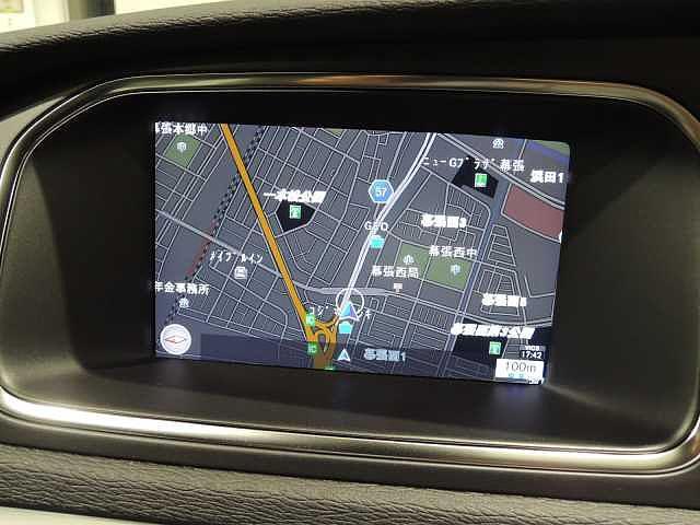 ボルボ ボルボ V40 D4モメンタム LEDヘッドライト ワンオーナー禁煙車