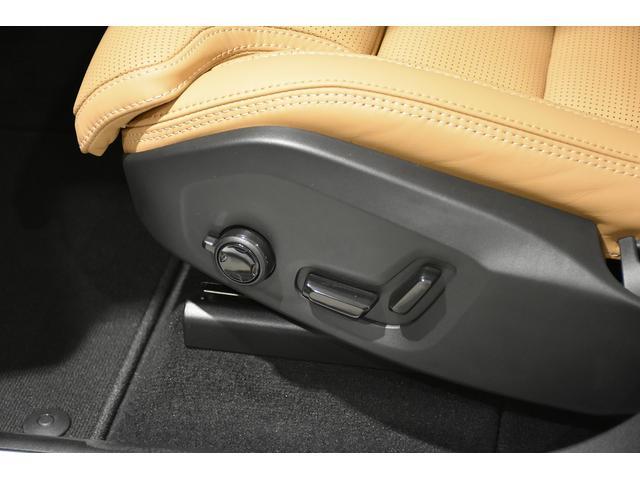 電動クッションエクステンション機能、ベンチレーション機能も付いているパワーシートです。