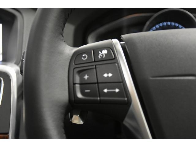 ACC 全車速追従アダプティブクルーズコントロールはステアリングを握ったまま、2タッチで設定が可能です。長距離移動時の、疲労軽減、事故の防止に役立ちます。