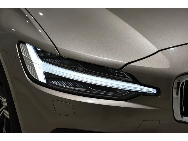 トールハンマーヘッドライトは車の印象をがらりと変え、また見た目だけでなくLEDの採用により明るく安全性も向上しております