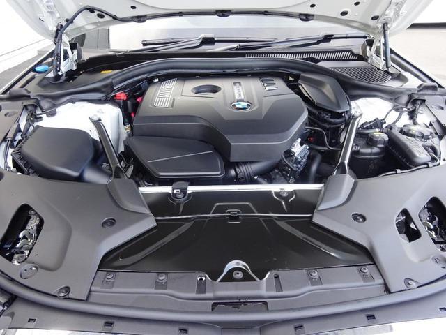 ガソリン、ディーゼルエンジンはそれぞれの特性に合わせたターボチャージャーが採用されています。街乗りからワインディング、高速まで、どのステージでも使いやすいセッティングとなっています。