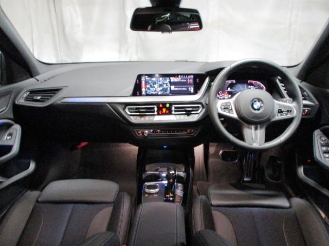 118i Mスポーツ オートホールド 18インチ オートマテールゲート ACC タッチパネルHDDナビゲーション スマートキー 衝突軽減ブレーキ  バックカメラ 自動駐車 LEDヘッドライト BMW正規ディーラー認定中古車(2枚目)