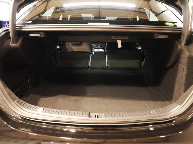 E400 4M エクスクルーシブ 1オナ 黒革 新車保証付(8枚目)