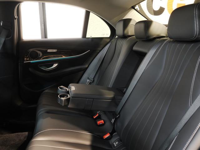 E400 4M エクスクルーシブ 1オナ 黒革 新車保証付(15枚目)