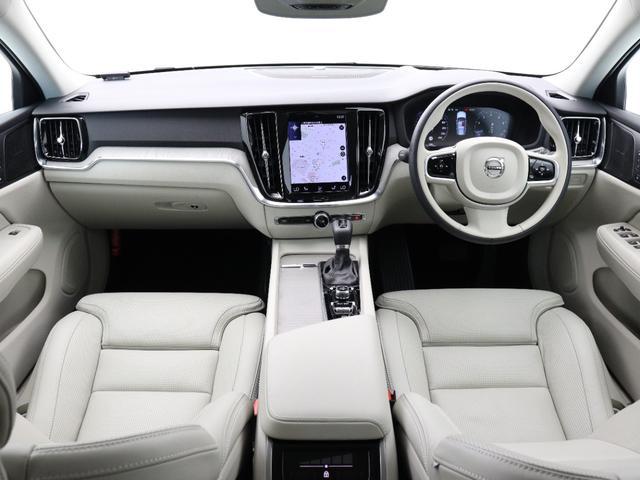 クロスカントリー T5 AWD プロ 2020年モデル バーチライトメタリック ブロンドレザー リアカメラ&360度カメラ LEDヘッドライト キーレス harman/kardonプレミアムサウンド シートヒーター シートエアコン(4枚目)