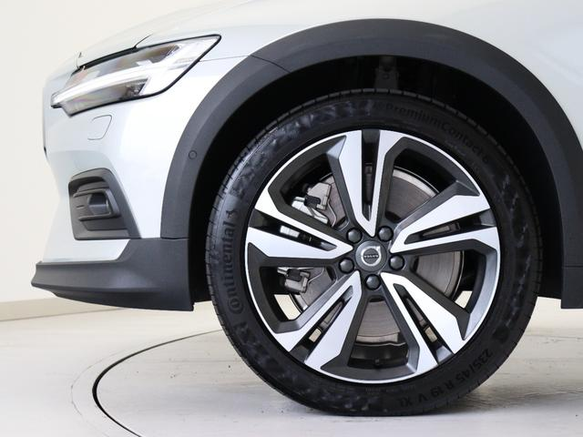 クロスカントリー T5 AWD プロ 2020年モデル バーチライトメタリック ブロンドレザー リアカメラ&360度カメラ LEDヘッドライト キーレス harman/kardonプレミアムサウンド シートヒーター シートエアコン(7枚目)