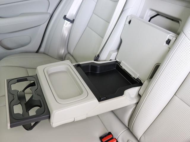 クロスカントリー T5 AWD プロ 2020年モデル バーチライトメタリック ブロンドレザー リアカメラ&360度カメラ LEDヘッドライト キーレス harman/kardonプレミアムサウンド シートヒーター シートエアコン(34枚目)