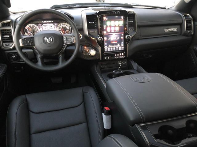 ララミ ブラックアピュアランスPKG 5.7HEMI AWD(9枚目)