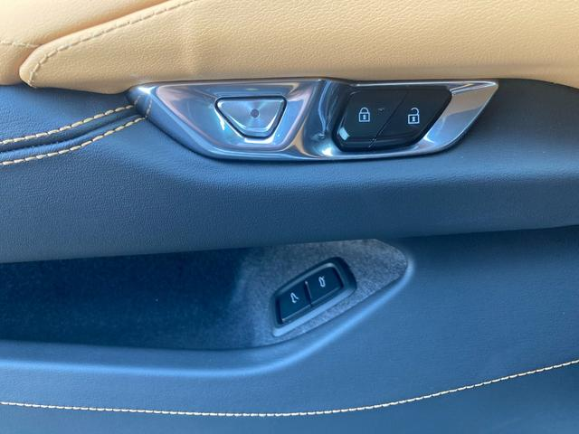 C8 2LT Z51パフォーマンスPKG フロントリフター 8速デュアルクラッチ 可変マフラー 左ハンドル Bremboアンチロックブレーキ デジタルインナーミラー ヘッドアップディスプレイ パドルシフター ソフトクローズリアハッチ ガラスエンジンフード(38枚目)