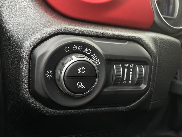 「その他」「ジープラングラーアンリミテッド」「SUV・クロカン」「埼玉県」の中古車31