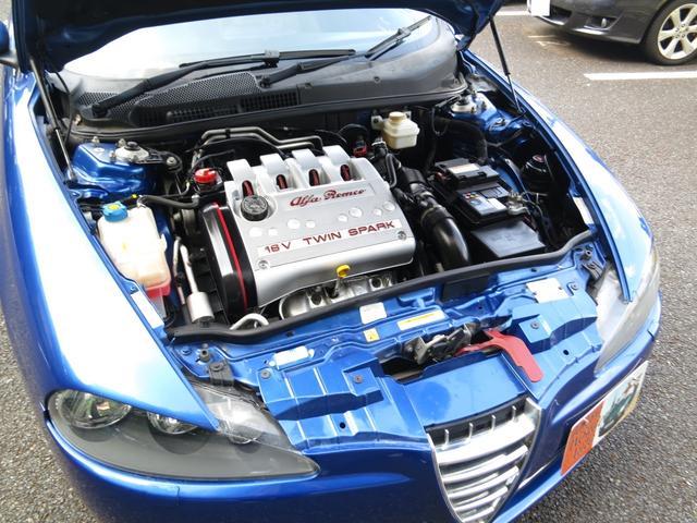 直列4気DOHC16バルブ可変バルブタイミング機構(吸気側)を備える直列4気筒DOHCツインスパークをボンネット内に横置きに搭載、FF方式、即納整備済、5速AT限定免許運転可能車TVナビBカメラ保証付