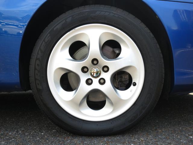 サス(前ダブルウィッシュボ-ンコイルS)サス(後マクファ-ソンストラットコイルS)ブレ-キ形(前ベンチレーテッドディスク(後ディスク)タイヤ215/40R17インチブラックアルミ新品タイヤ装着済保証付