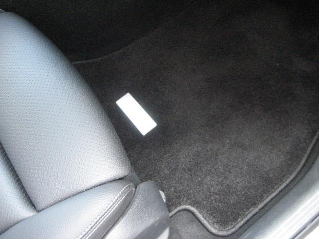 C220 d ステーションワゴン ローレウスエディション レーダーセーフティパッケージ スポーツプラスパッケージ 2年保証 新車保証(8枚目)