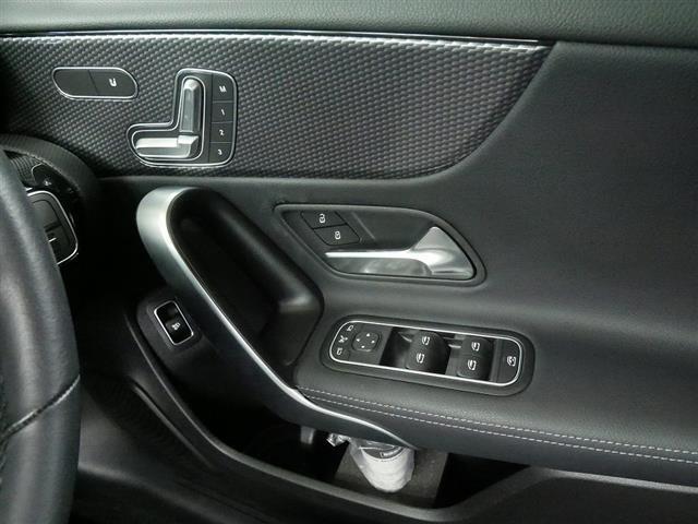 A250 4MATIC セダン レーダーセーフティパッケージ ナビゲーションパッケージ 2年保証 新車保証(15枚目)