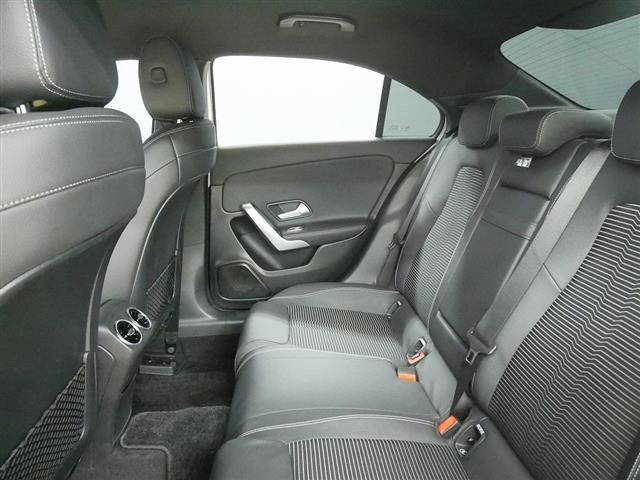 A250 4MATIC セダン レーダーセーフティパッケージ ナビゲーションパッケージ 2年保証 新車保証(20枚目)