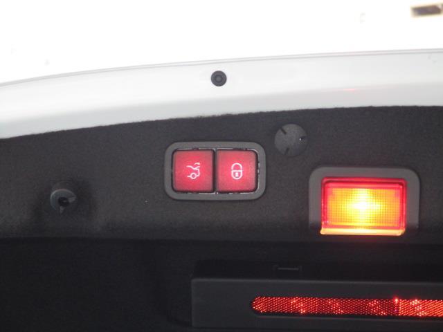 C220 d ローレウスエディション レーダーセーフティパッケージ スポーツプラスパッケージ 2年保証 新車保証(14枚目)