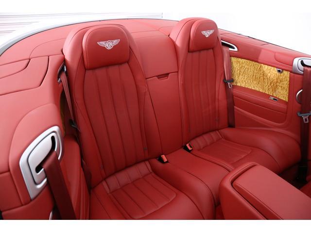ベントレー ベントレー コンチネンタル GT V8コンバーチブルS ベンチレータ 赤革 赤幌 D車