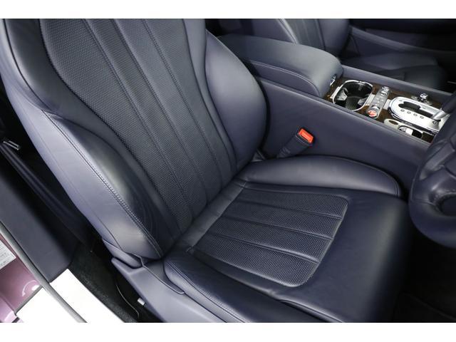 運転席・助手席共に綺麗な状態を保っており、コンディション良好です!