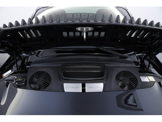 3リッター水平対向6気筒ターボエンジンを搭載!450ps/6500rpm最大トルク56.1kgm/5000rpm