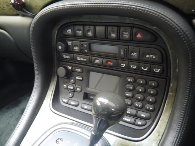最終モデルXJR 4.0スーパーチャージドV8ワンオーナー車(10枚目)