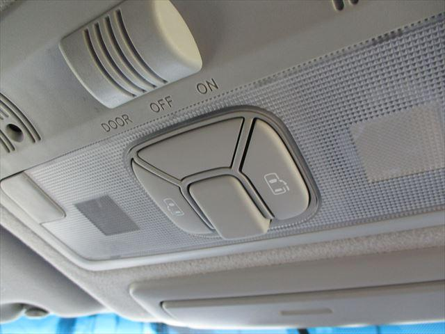 アエラスレザーPG BIG-Xナビ後席モニター両自動ドア黒革(10枚目)