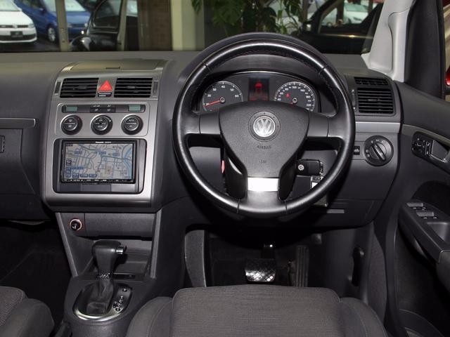 フォルクスワーゲン VW ゴルフトゥーラン TSI ハイライン ナビTV 後席DVD・テレビ 禁煙記録簿