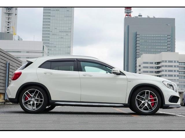 車両寸法は、全長4455×全幅1805×全高1495mmとなります。