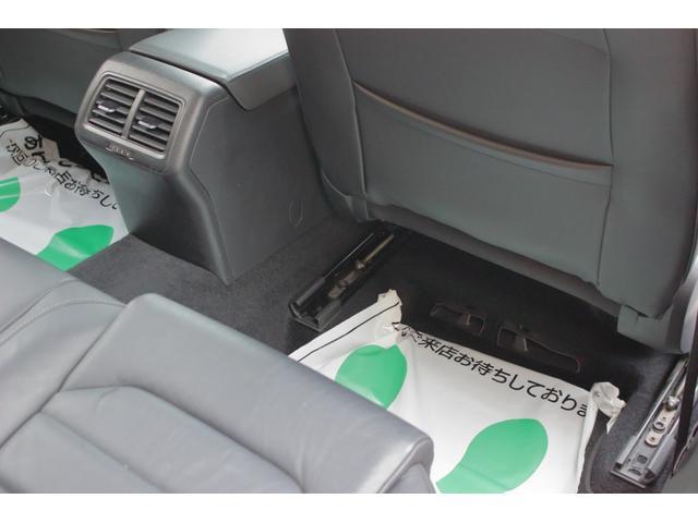 TSIハイライン レザーPKG 1オーナ 禁煙車 タイヤ新品(16枚目)