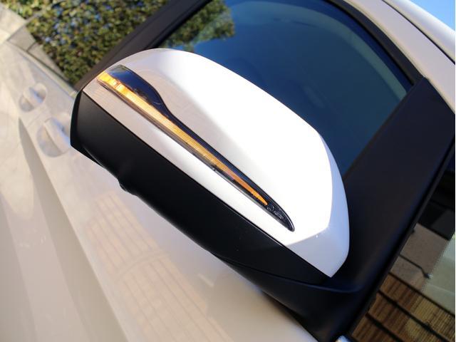 純正LEDドアミラーウィンカーを標準装備しております!