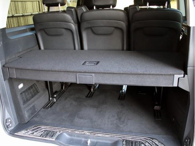 セカンドシートやサードシートを格納する事で長い荷物や大きな荷物も積み込み可能なラゲッジスペース!