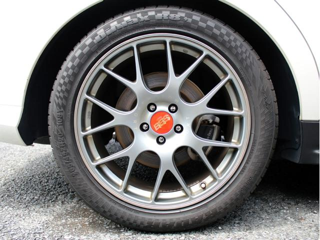 GLE350d 4マチックスポーツ 右H 黒本革 キーレスゴー HDDナビ 地デジ 360°カメラ Bluetoothオーディオ レーダーセーフティ パノラミックスライディングルーフ 社外20インチアルミホイール ローダウン(28枚目)