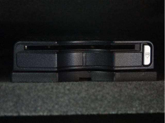 GLE350d 4マチックスポーツ 右H 黒本革 キーレスゴー HDDナビ 地デジ 360°カメラ Bluetoothオーディオ レーダーセーフティ パノラミックスライディングルーフ 社外20インチアルミホイール ローダウン(40枚目)