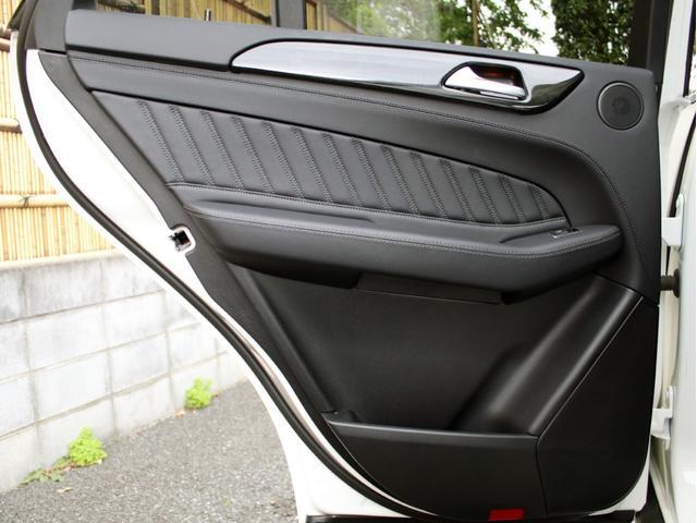 GLE350d 4マチックスポーツ 右H 黒本革 キーレスゴー HDDナビ 地デジ 360°カメラ Bluetoothオーディオ レーダーセーフティ パノラミックスライディングルーフ 社外20インチアルミホイール ローダウン(52枚目)