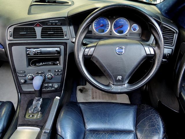 R AWD 世界限定 300馬力 ブレンボイエローキャリパー(15枚目)
