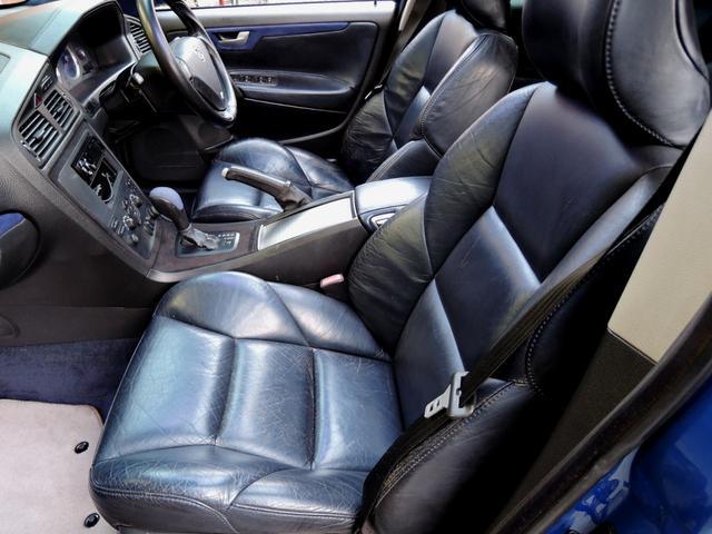 R AWD 世界限定 300馬力 ブレンボイエローキャリパー(18枚目)