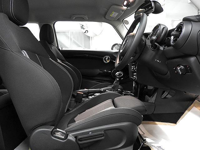 MINI MINI クーパーS リアカメラ 17inアルミ 認定中古車