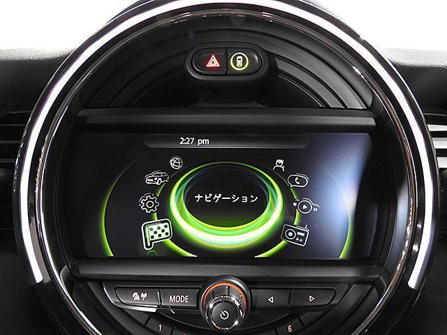 クーパーD 2年保証 ACC HDDナビ バックカメラ&PDC ETC オートライト オートワイパー 白ボンネットストライプ ユニオンジャックミラーカバー LED 15AW ワンおーあー 禁煙車 認定中古車(13枚目)