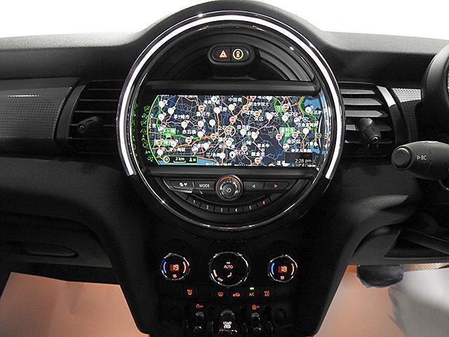 クーパーD 2年保証 ACC HDDナビ バックカメラ&PDC ETC オートライト オートワイパー 白ボンネットストライプ ユニオンジャックミラーカバー LED 15AW ワンおーあー 禁煙車 認定中古車(17枚目)