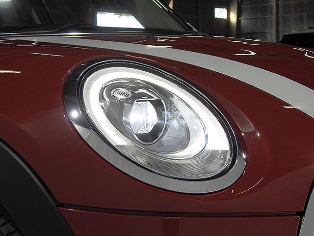 クーパーD 2年保証 ACC HDDナビ バックカメラ&PDC ETC オートライト オートワイパー 白ボンネットストライプ ユニオンジャックミラーカバー LED 15AW ワンおーあー 禁煙車 認定中古車(25枚目)