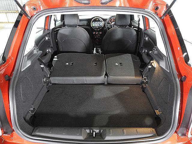 クーパーD 2年保証 ACC HDDナビ バックカメラ&PDC ETC オートライト オートワイパー 白ボンネットストライプ ユニオンジャックミラーカバー LED 15AW ワンおーあー 禁煙車 認定中古車(28枚目)