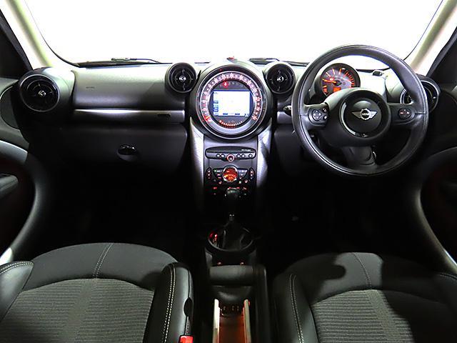 クーパーD クロスオーバー パークレーン 認定中古車 ナビゲーション バックカメラ 限定車 ALL4エクステリア 専用色 アールグレー メタリック バイキセノン レインセンサー自動ドライビングライト付 スポーツレザーステアリング(12枚目)