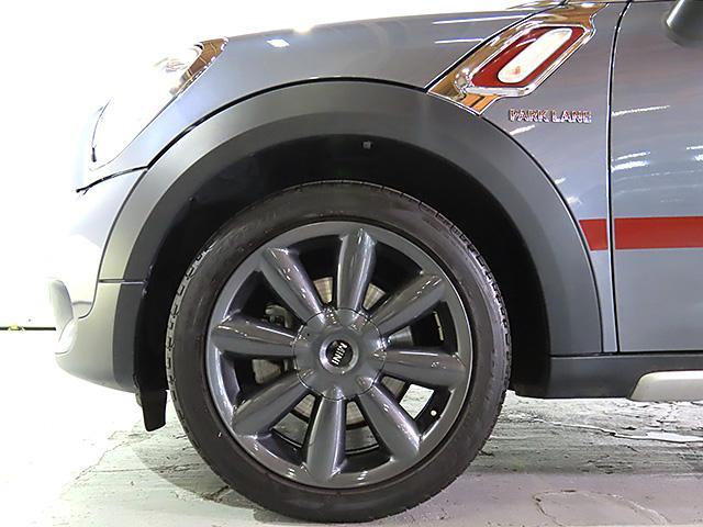 クーパーD クロスオーバー パークレーン 認定中古車 ナビゲーション バックカメラ 限定車 ALL4エクステリア 専用色 アールグレー メタリック バイキセノン レインセンサー自動ドライビングライト付 スポーツレザーステアリング(17枚目)