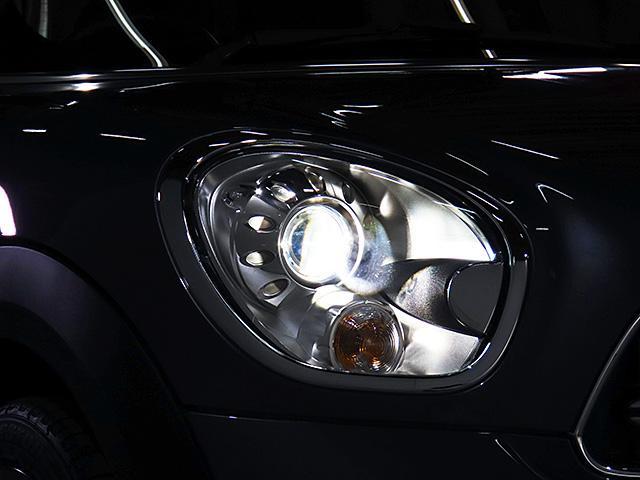クーパーD クロスオーバー パークレーン 認定中古車 ナビゲーション バックカメラ 限定車 ALL4エクステリア 専用色 アールグレー メタリック バイキセノン レインセンサー自動ドライビングライト付 スポーツレザーステアリング(19枚目)