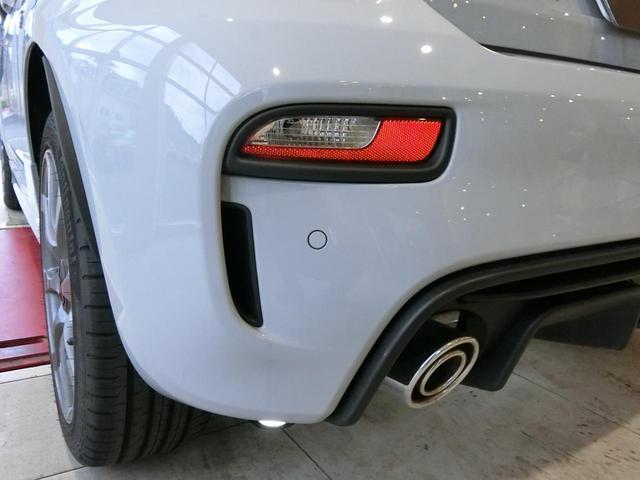ベースグレードAT  試乗車 キセノン 禁煙車 全国新車保証(8枚目)