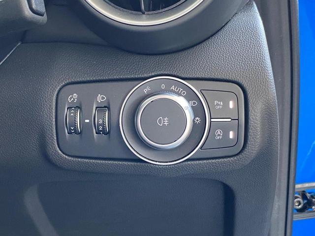 ヴェローチェ 当店デモカー 追従機能 衝突軽減ブレーキ 本革 シートヒーター 電動シート 純正ナビ 地デジ carplay Bluetooth(34枚目)