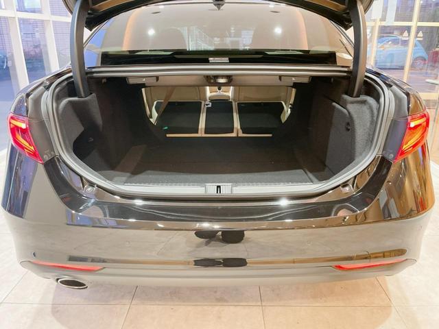 スーパー 当店ユーザー下取り車 衝突軽減システム 追従機能 Applecarplay Bカメラ ETC 本革シート シートヒーター電動シート(12枚目)