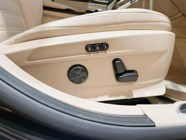 スーパー 当店ユーザー下取り車 衝突軽減システム 追従機能 Applecarplay Bカメラ ETC 本革シート シートヒーター電動シート(16枚目)