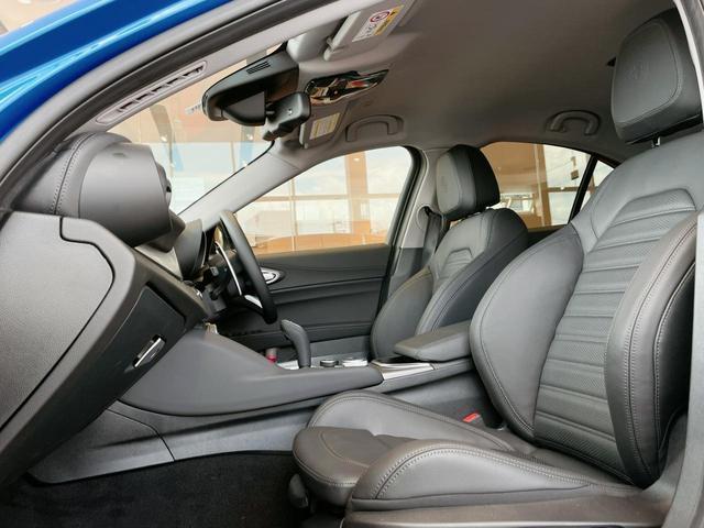 キセノンヘッドライト バックカメラ クルーズコントロールスマートキー  Bluetooth 本革シート メモリーパワーシート 純正アルミ デモカー(27枚目)