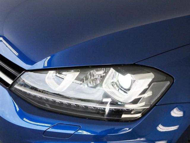 バイキセノンヘッドライト オートハイトコントロール機能付き、LEDポジションランプ付、ダイナミックコーナーリングライト、スタティックコーナーリングライト、ヘッドライトウオッシャー付き。